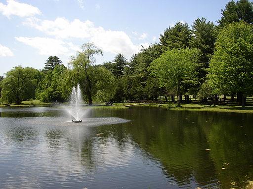 Crandall_Park_fountain_Glens_Falls