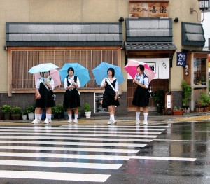 School girls crossing fciwomenswrestling