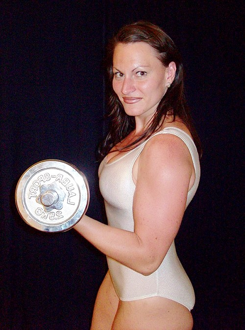 fciwomenswrestling.com article, DWW Galaxy photo