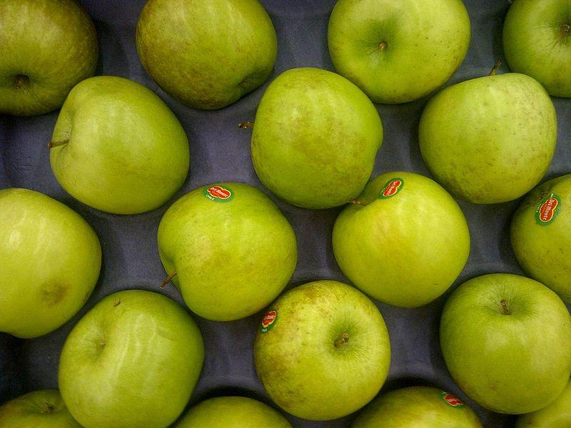 apple 800px-Green_Apple-R