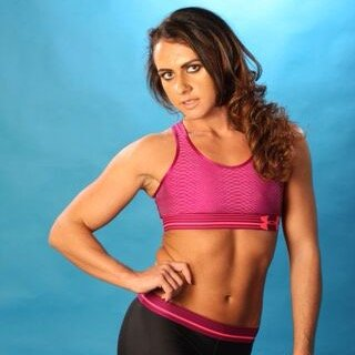 sara Sara Lips Wrestling twitter.com U8eGTM1Q