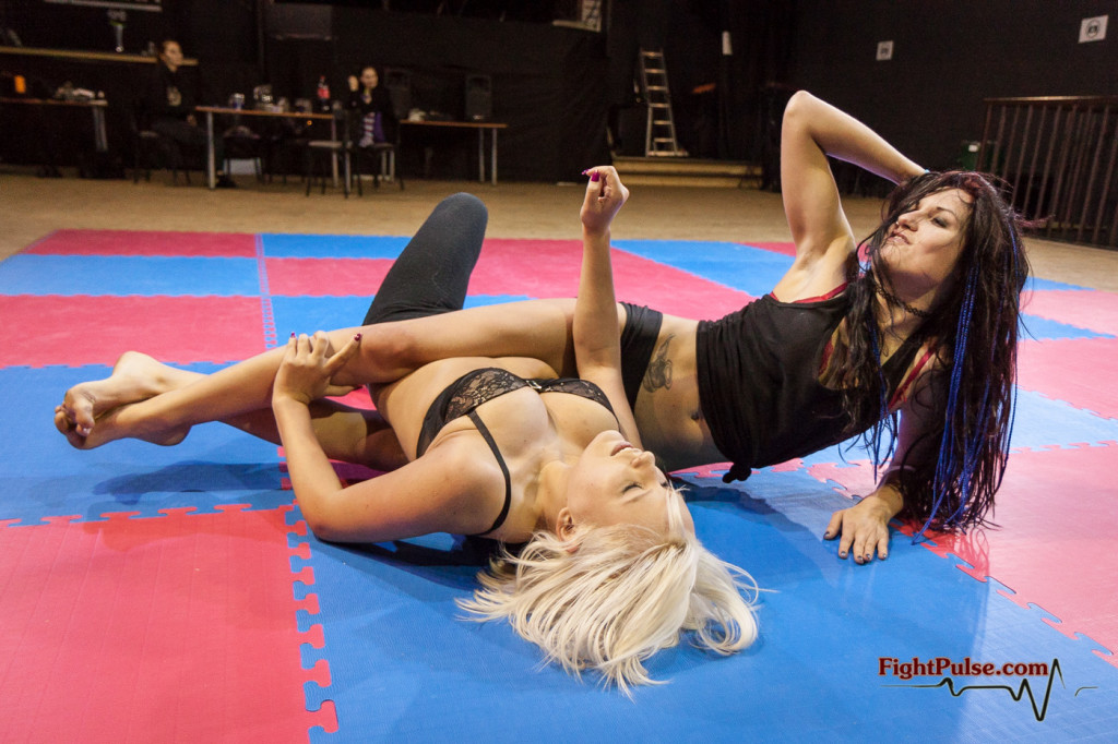 fciwomenswrestling.com article, fightpusle.com photo
