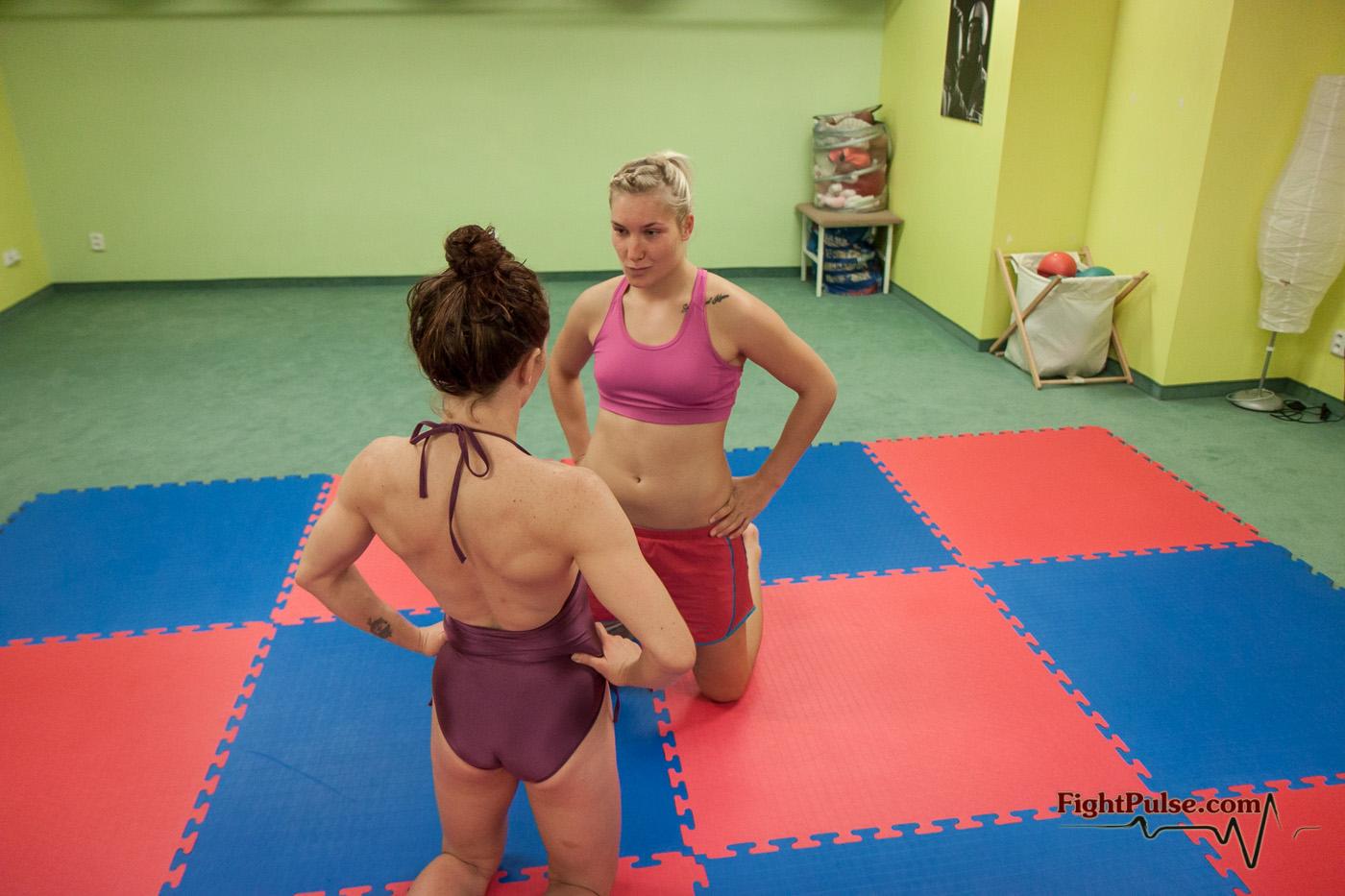 Diana vs VeVe Wrestling