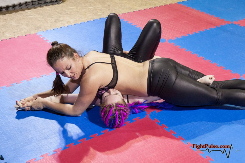 fciwomenswrestling.com article, Fight Pulse photo credit