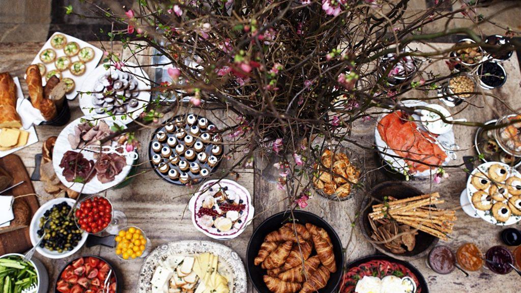 fciwomenswrestling.com article, noparestaurant.com photo