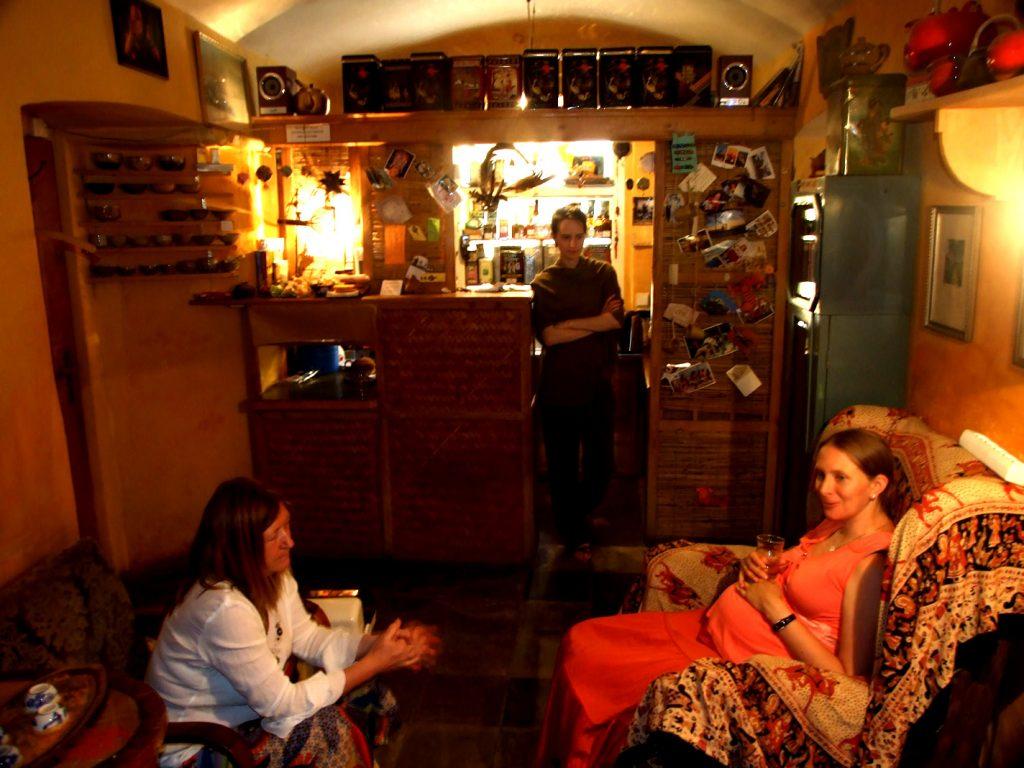 fciwomenswrestling.com article, o_nas-cajovna-u-zlateho-kohouta photo